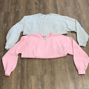 Gildan Sweatshirts Bundle of 2 solid Gray and Pink